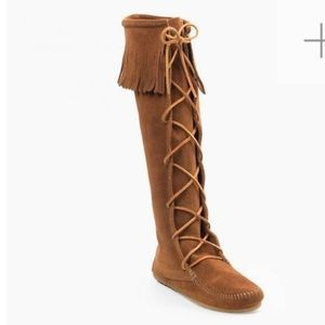 MINNETONKA tall brown moccasin fringe suede boots